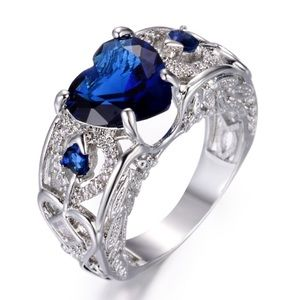 Size 7 Silver Sapphire Ring (K16)